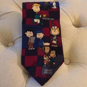 Peanuts/Snoopy and Charlie Brown necktie!